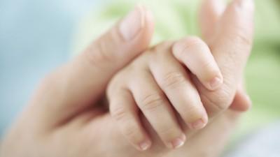 Apprenez à Couper Les Ongles De Bébé En Toute Sécurité